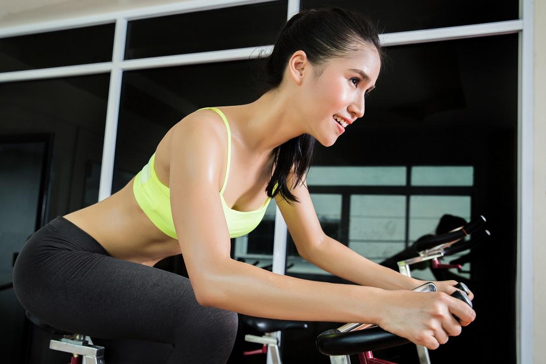Rower stacjonarny – trening dla początkujących i konserwacja sprzętu