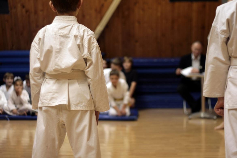 jak wybrać kimono do karate