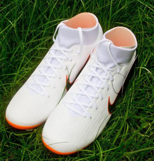 Oceniamy Nike Superfly 6 Academy MG – półprofesjonalne korki z kolekcji na Mundial JUST DO IT (2)