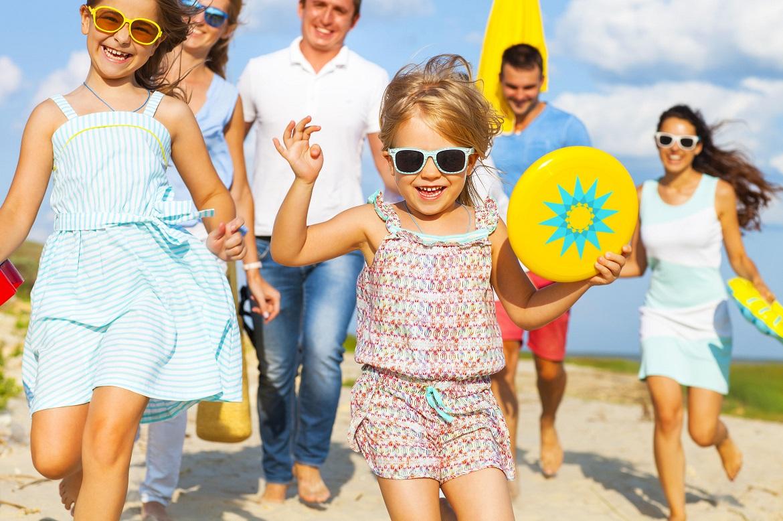 6 pomysłów na zabawę z dziećmi podczas weekendu na łonie natury. Sprawdź, co robić z pociechą by uniknąć nudy!