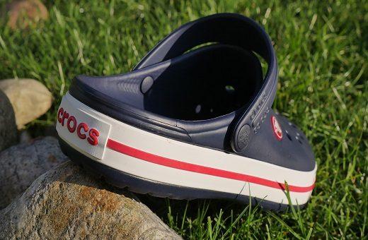 Buty Crocs, klapki Crocs, buty dla lekarzy – 5 powodów, dla których warto je mieć