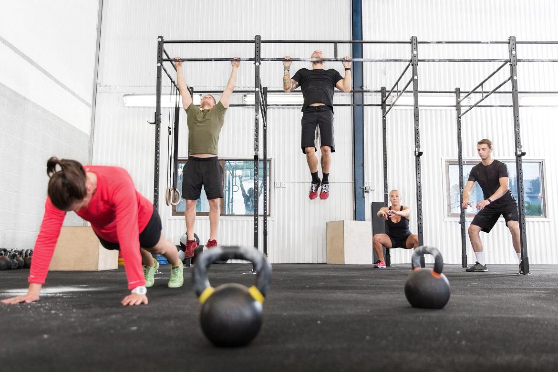 Dlaczego warto trenować crossfit? 8 korzyści