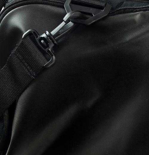 Torba treningowa Nike Brasilia BA5334 010 czarna – wododporny materiał