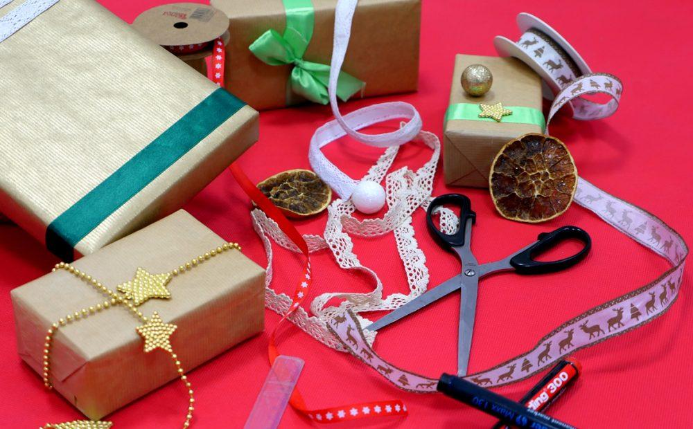 Pakowanie prezentów świątecznych, czyli jak zrobić dobre pierwsze wrażenie – 2