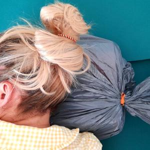Patenty z użyciem worka na śmieci (poduszka) BLOG Jak ułatwić sobie życie. 15 sprawdzonych patentów na biwak-300×300