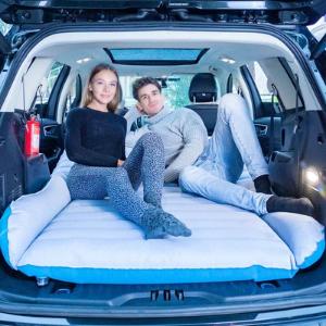 dmuchany-materac-do-spania-w-samochodzie-aliexpress-blog- Jak ułatwić sobie życie. 15 sprawdzonych patentów na biwak-300×300