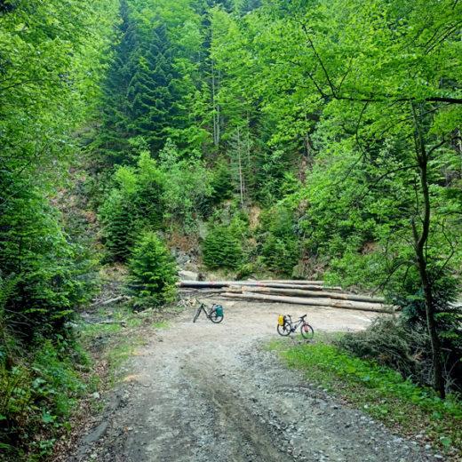 najlepsze-trasy-rowerowe-na-slasku-i-w-malopolsce-aquavelo-szczawnica-krynica-beskidy-podjazd-sklep-sportowo-turystyczny-sportbazar.pl-600x600px